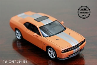 DODGE CHALLENGER SRT8 (CAM) 1:24 WELLY