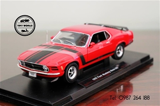 FORD MUSTANG BOSS 302 (ĐỎ) 1:18 WELLY