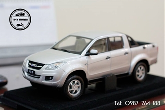 JMC PICKUP 1:18 (BẠC) 1:18 DEALER