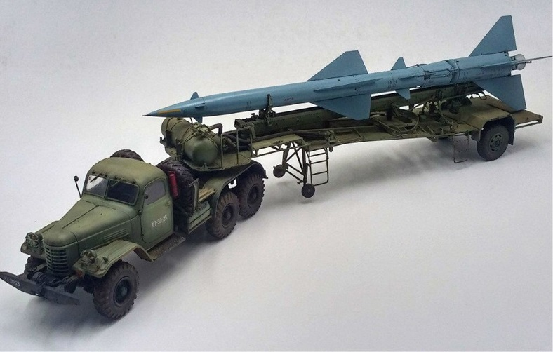 HQ-2 MISSILE ON TRANSPORT TRAILER (XANH) TRUMPETER